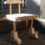 美術館の椅子を試作中。